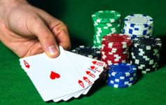 How to win poker online games with right strategy